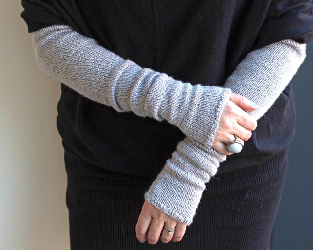 Bria Armwarmers knitting pattern - Shortrounds Knitwear