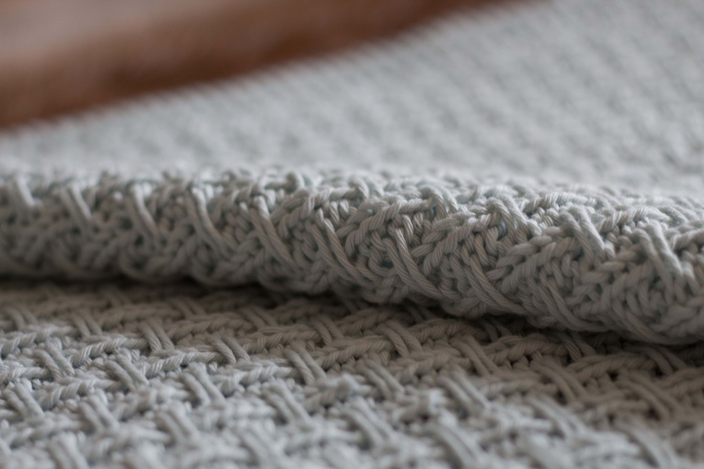 Hessian baby blanket knitting pattern | Shortrounds Knitwear