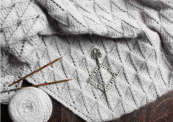 Mirkfallon knitting pattern Melanie Berg | Shortrounds Knitwear